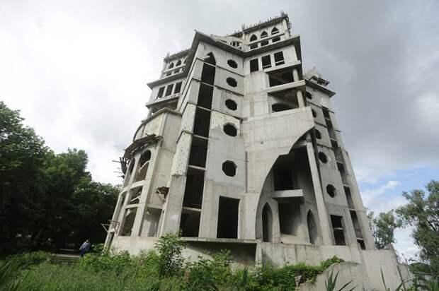 Мэрия Краснодара заплатила 130 млн рублей за «замок» на Затоне