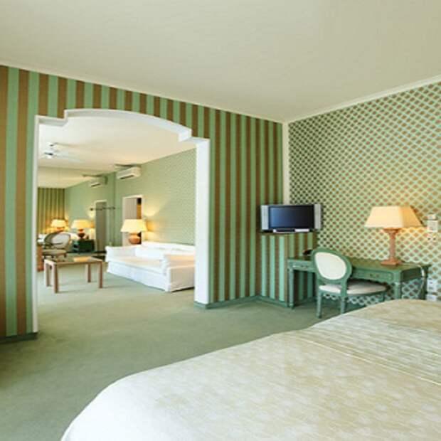 Как скомбинировать обои в спальне: необычные идеи с фото, особенности, цветовые решения, идеальные комбинации и правильные сочетания