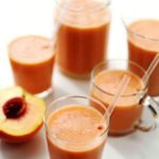 Персиково-клубничный коктейль.