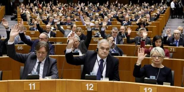 Состав «дубовый», идеи с потолка. Как Европарламент борется с Россией