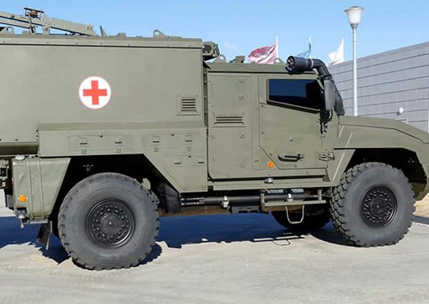 На вооружение мотострелкового соединения ЦВО в Кузбассе поступили новейшие санитарные бронеавтомобили «Линза»