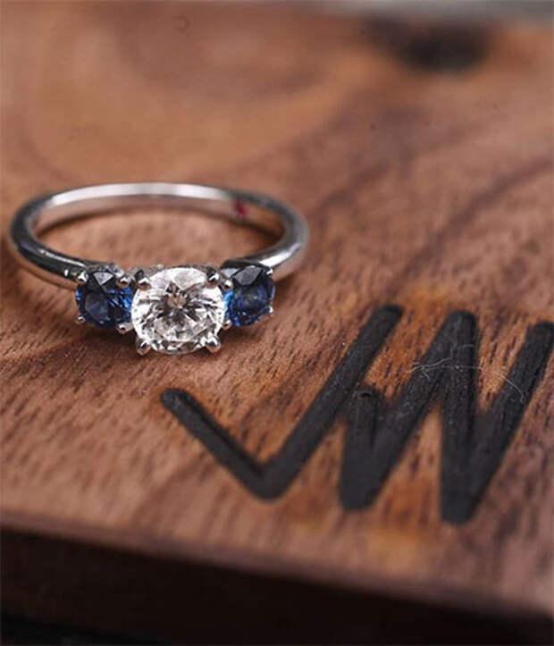 Дочь Дайан Китон объявила о помолвке: фото кольца