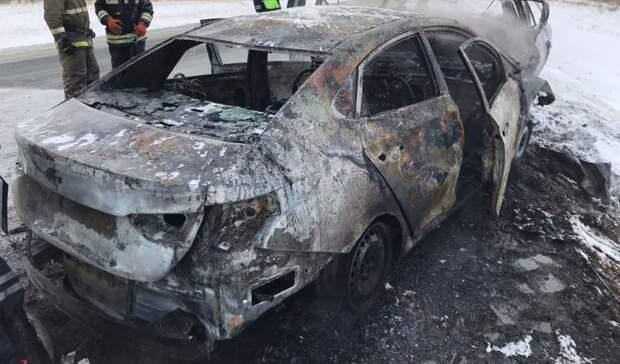 В Новоорском районе после столкновения сгорели Hyundai и Toyota, погибли три человека