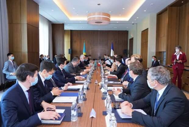 Казахстан иФранция подписали дорожную карту сотрудничества