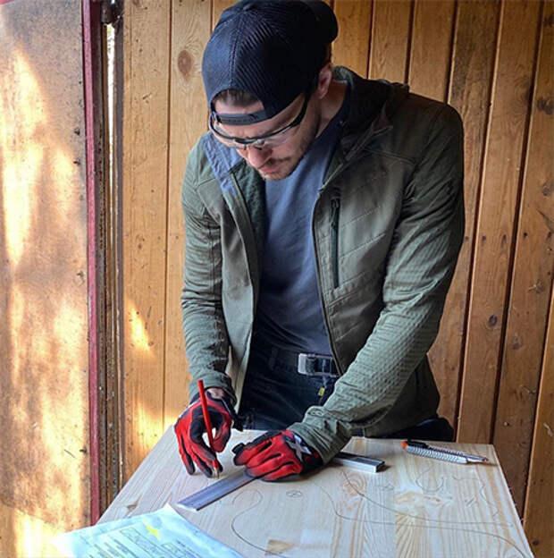 Максим Матвеев сделал своими руками подарок младшему сыну