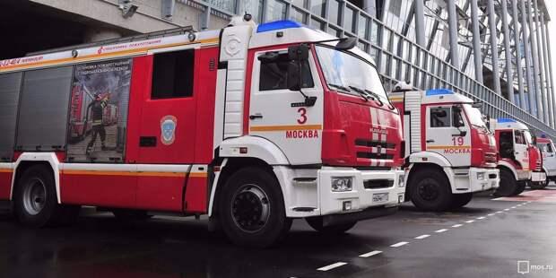 На улице Василия Петушкова произошло возгорание в подъезде