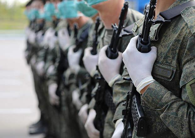 Военнослужащие ЗВО ежедневно проводят подготовку техники, задействованной в параде Победы в Москве