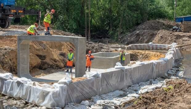 Реконструкцию моста в деревне Бородино проводят в круглосуточном режиме