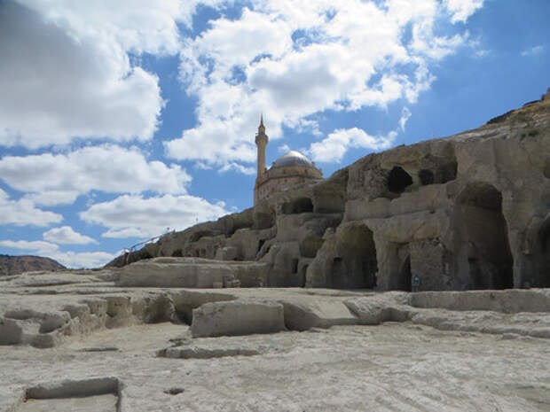 Туристы скоро смогут посетить подземный город в турецком Невшехире