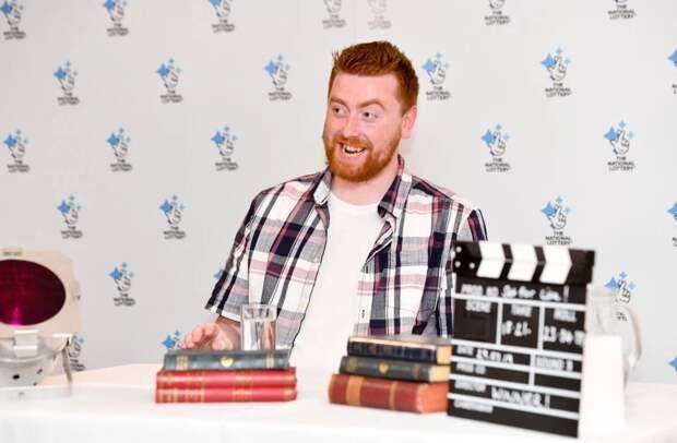 Парень из Великобритании выиграл в Национальной лотерее 30 лет безбедной жизни