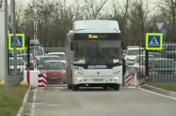 В Симферополе 17 автобусов вышли на маршруты к новому медицинскому центру имени Семашко