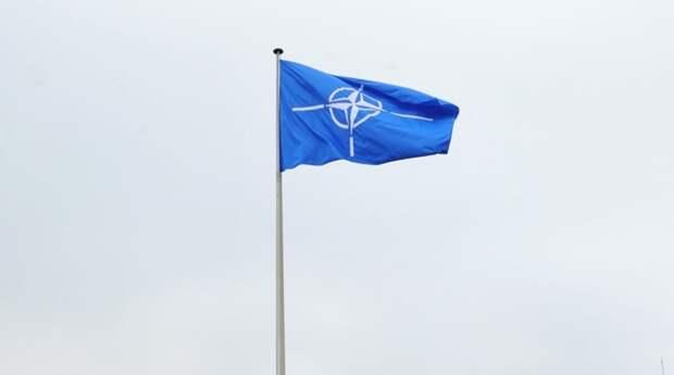 НАТО призвала РФ гарантировать свободу навигации в Черном море и Керченском проливе