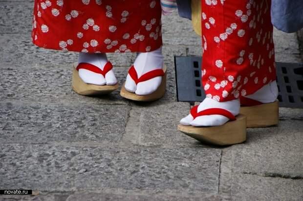 Как вы думаете, зачем такая обувь?