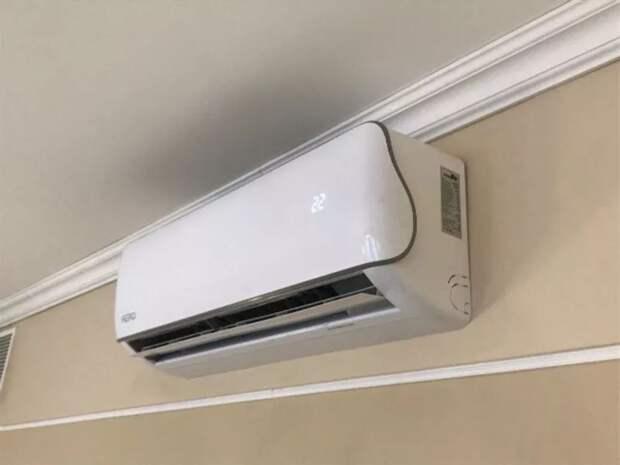 Жара помогла: жительница Подмосковья обнаружила в домашних кондиционерах скрытые камеры