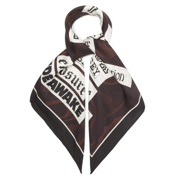 Этим летом носите «перекрещенный» платок-топ, как Бейонсе в начале нулевых