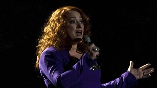 Ирландская победительница Евровидения вынуждена работать в супермаркете