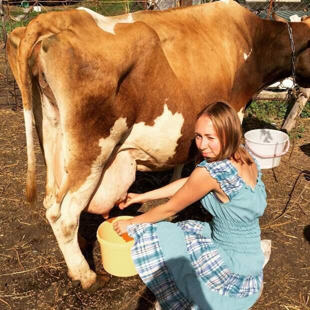Любишь молоко пить, люби и корову доить! девушки, деревня, жизненно, правда, село