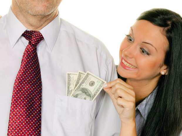 Я трачу все деньги мужа, и не собираюсь идти на работу