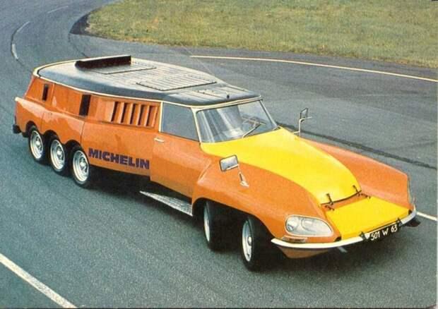 Десятитонный необычный автомобиль Michelin. Машина произведена в 1972 году. Необычное транспортное средство оснащено двумя V8 двигателями Chevrolet авто, автомир, интересное, монстры, странные