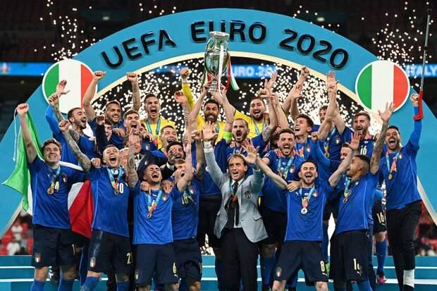 Белые итальянские чемпионы, подвиги лутеров и отмена «дам и господ»