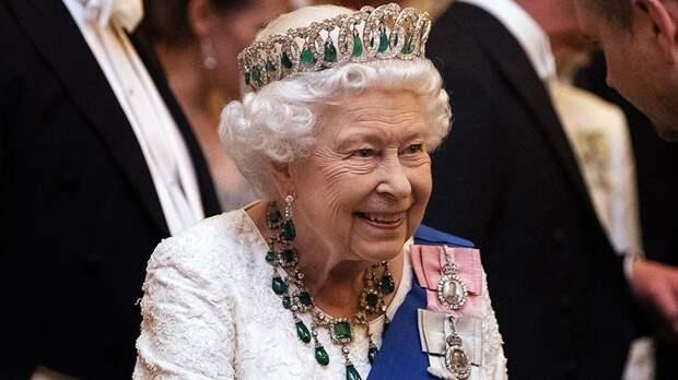 Елизавета II стала королевой, хотя была внучкой горничной. Как такое могло случится?