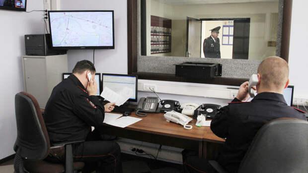 В Марьине из банкомата украли чужую банковскую карту – сводка УВД