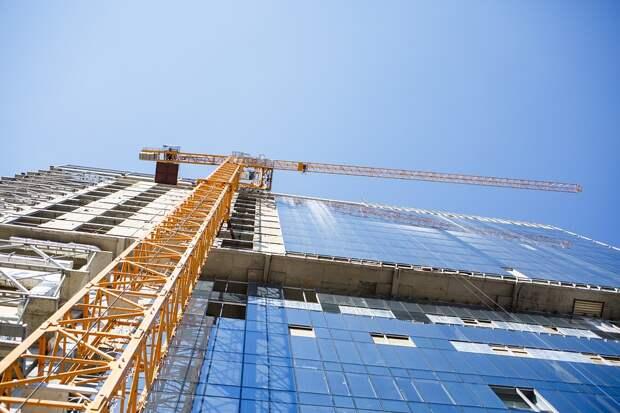 Глава управы Лосиноостровского проинспектировал ход строительства домов по программе реновации