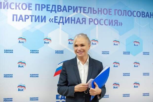 «Быть полезным людям – это главное!»: депутат Госдумы Ирина Белых подала документы для участия в предварительном голосовании «Единой России»