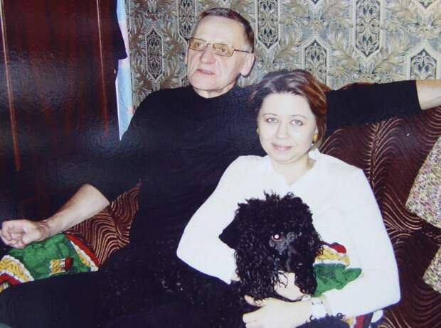 Чем живет 76-летний отец Кристины Орбакайте