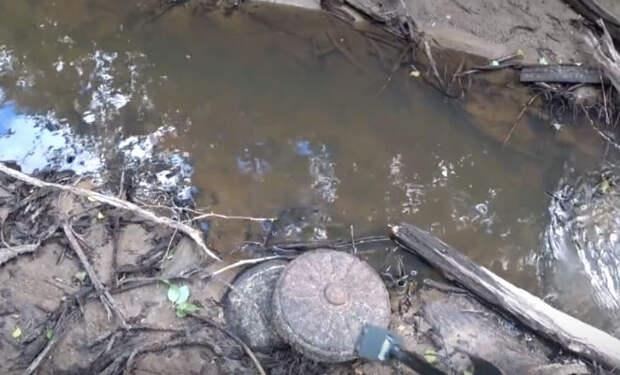 Ящик с оружием лежал на дне реки 70 лет: черные копатели добрались первыми