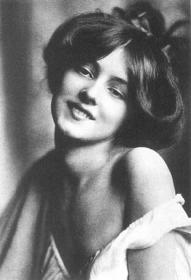 Актриса Эвелин Несбит, 1901