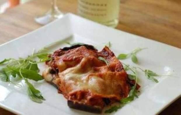 Баклажан в духовке с сыром и чесноком