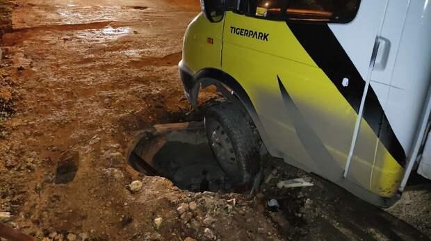 Строители бросили разрытую для ремонта дорогу в Севастополе