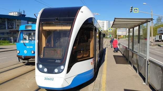 В Щукине на пути вышел трамвай «Львёнок»