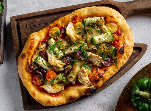 Свекольный хумус и пирог с овощами