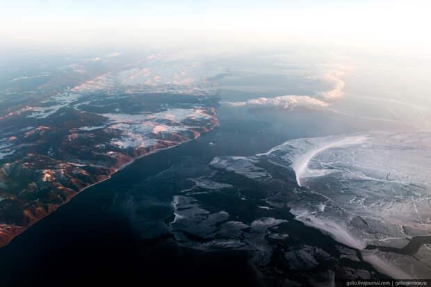 Побережье озера Байкал.
