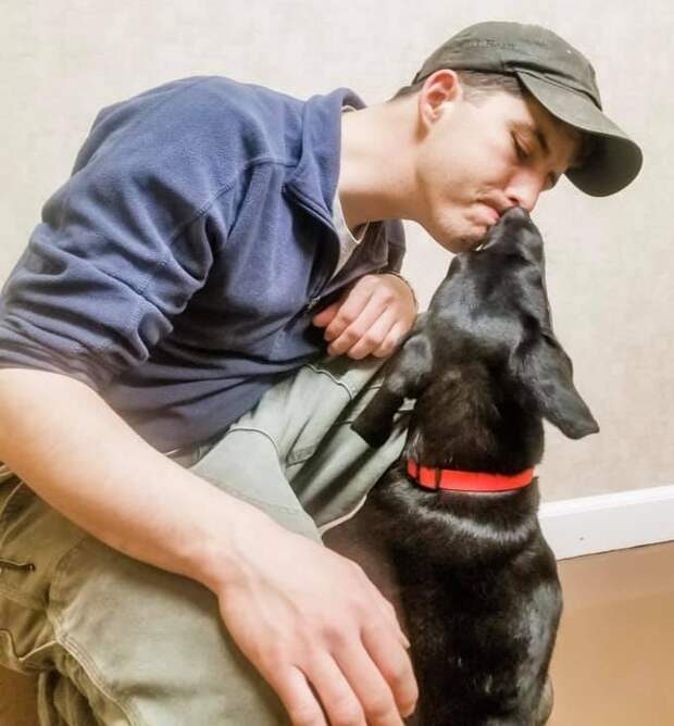 Глухого щенка, которого никто не хотел брать, приютил глухой парень и теперь они одна семья!
