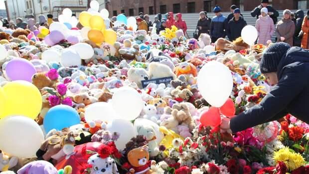 Родители погибших при пожаре в «Зимней вишне» детей потребовали 300 млн рублей