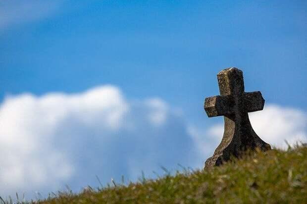 Серийных воров металла с кладбища поймали в Красногвардейском районе