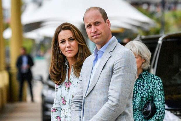 Элегантная герцогиня: Миддлтон появилась напублике вбюджетном платье Zara запять тысяч рублей