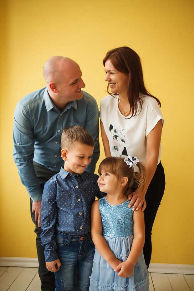 Екатерина с мужем и детьми