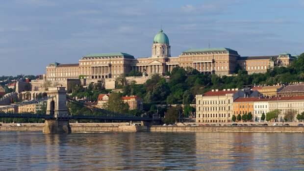 Венгрия последовала примеру РФ с золотовалютными резервами
