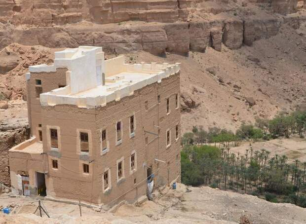 Хайд аль-Джазиль - дом и вид из деревни на долину
