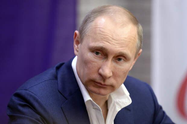 Народу внушают, что он устал от Путина и тот обязан уйти.
