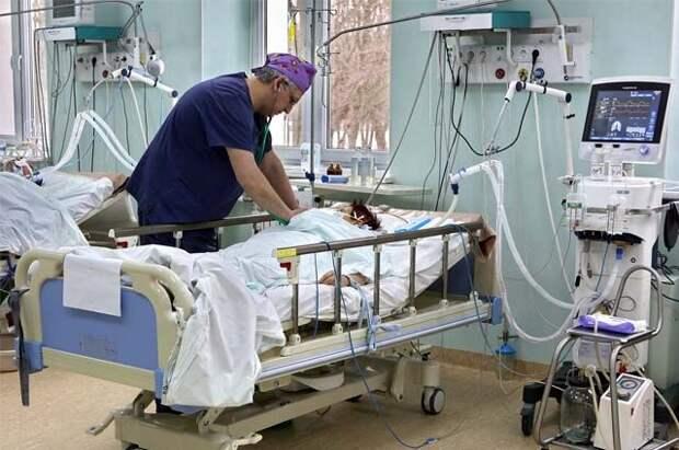 Врачи рассказали о состоянии девочек, упавших с батута в Барнауле