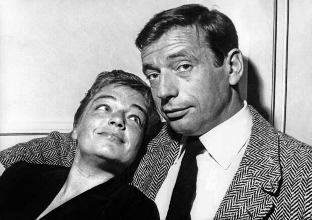 Yves Montand et Simone Signoret chez eux en 1957