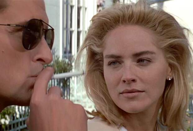 За кадром «Основного инстинкта»: за что Шэрон Стоун влепила пощечину режиссеру