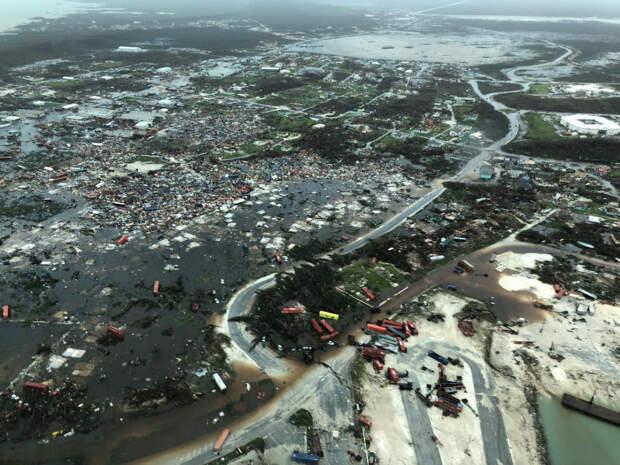 """Шокирующие изображения показывают масштабы разрушительного урагана """"Дориан"""", обрушившегося на Багамы"""