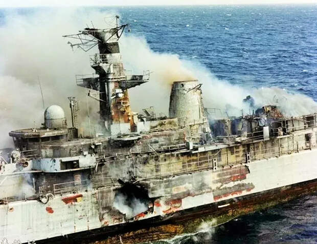 """""""Если бы русские утопили """"Дефендер"""", то у Британии осталось бы всего 18 боевых кораблей. Кто-то ещё хочет умирать за Украину?"""""""