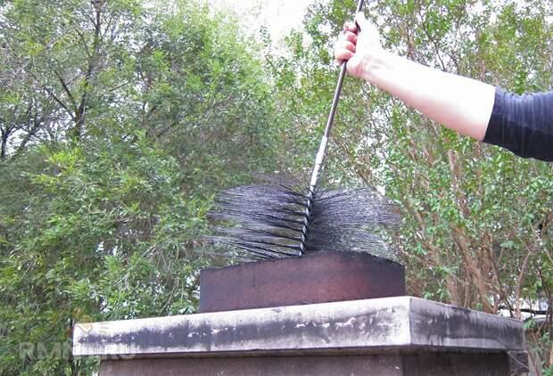 Чистка дымохода: как прочистить трубу от сажи